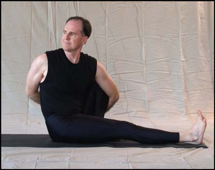 seated twist with bind